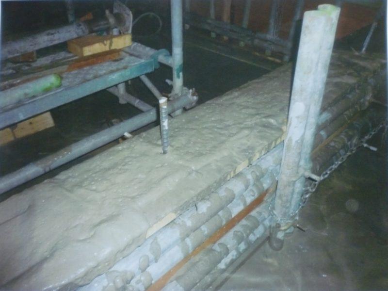 高性能AE減水剤添加量の過多状況