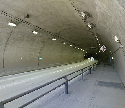 トンネルのコンクリート剥落