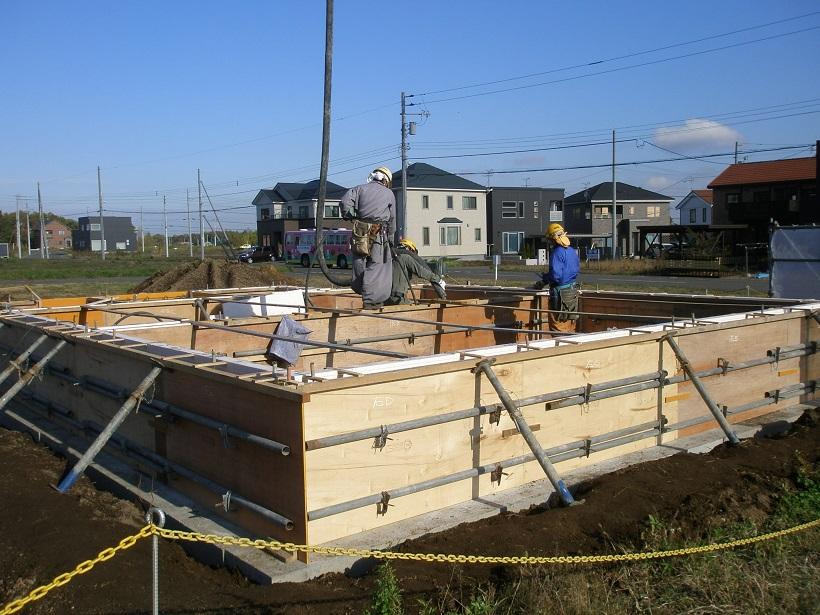 【質問回答】コンクリートの打設手順と安全上の注意点について